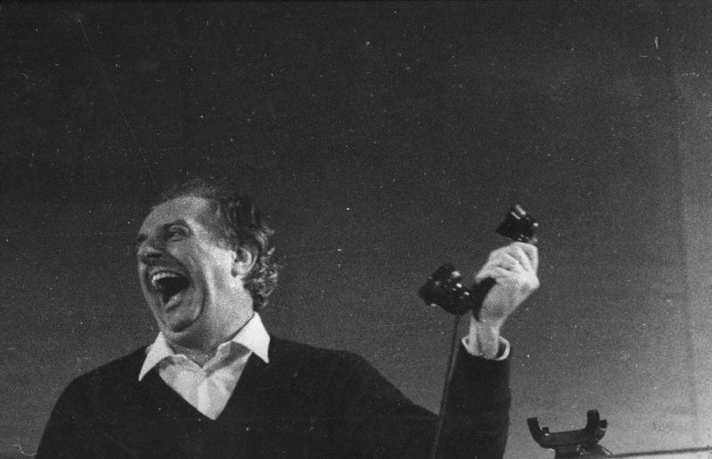 """Dario Fo in """"Morte accidentale di un anarchico"""" (1970)"""